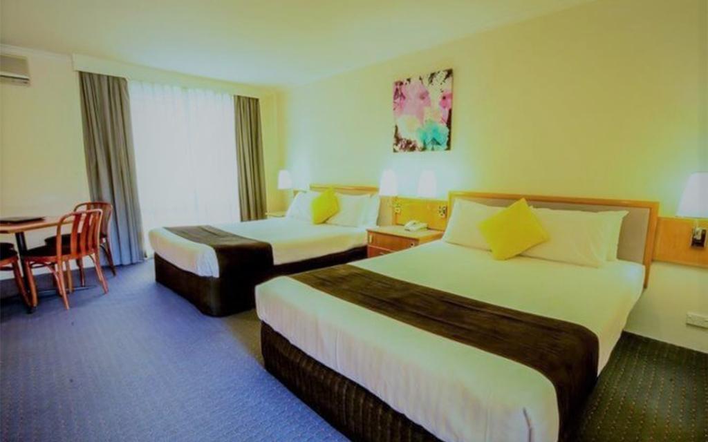 superior twin room w 2 queen beds n garden view